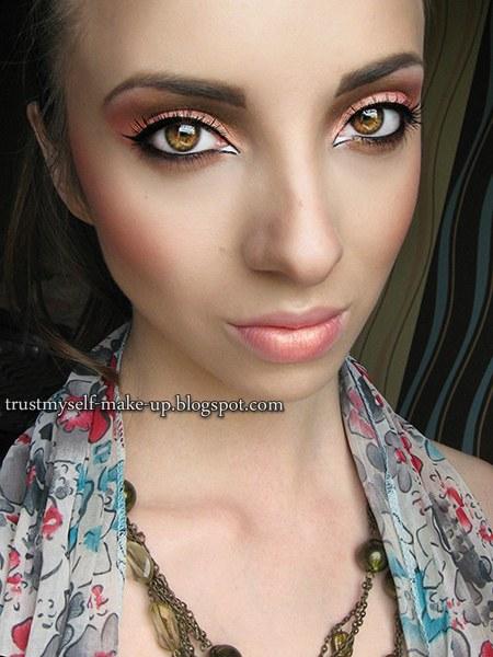 fot&makijaż: http://trustmyself.pl