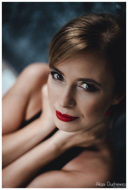 piękna kobieta, profesjonalna sesja fotograficzna w warszawie