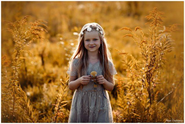 Fotografia dziecięca // Milenka na łące