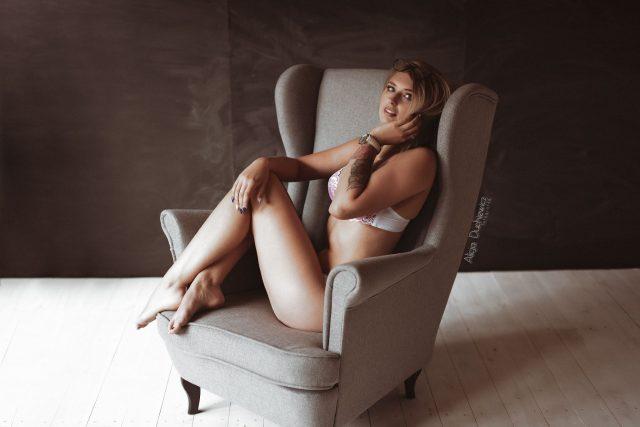 Sesja kobieca, zdjęcie pięknej kobiety, Alicja Duchiewicz-Potocka fotografka