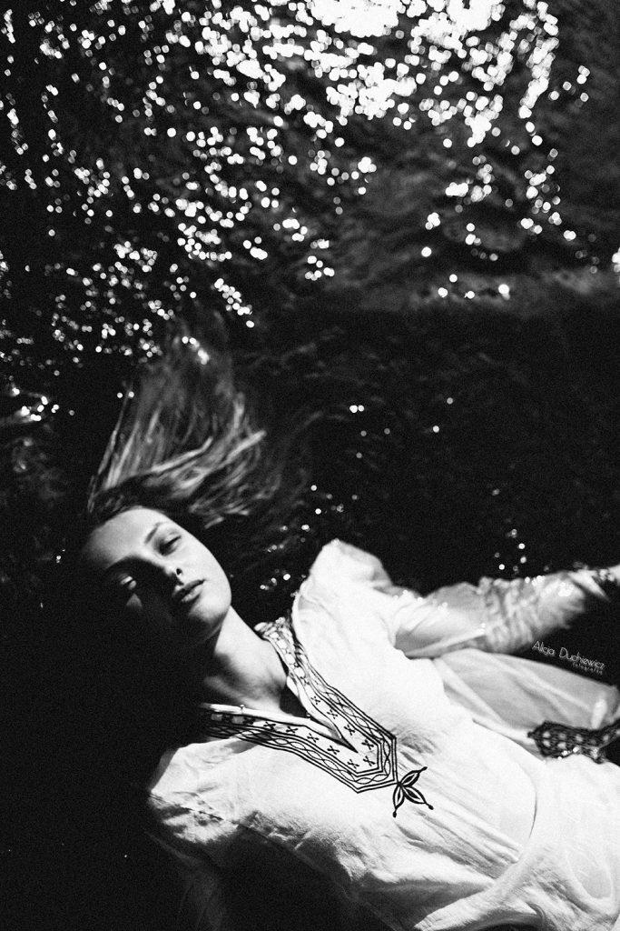 Sesja fotograficzna w wodzie, fotograf śląsk Alicja Duchiewicz Fotografka